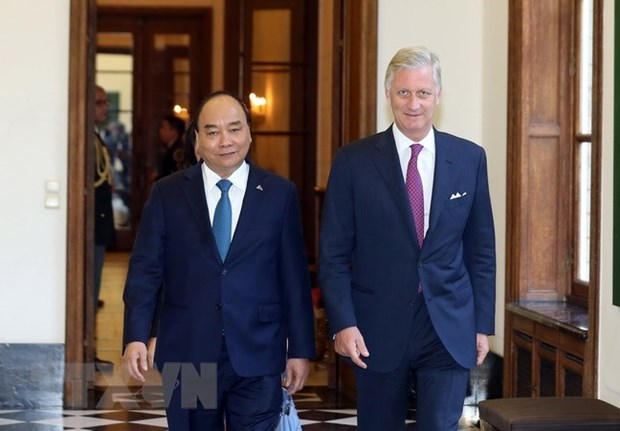 PM Nguyen Xuan Phuc meets with Belgian King Philippe hinh anh 1