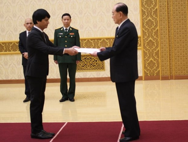 New ambassador to DPRK presents letter of credence hinh anh 1