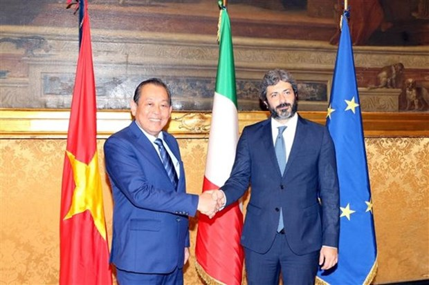 Vietnam calls on Italian parliament to back early ratification of EVFTA hinh anh 1