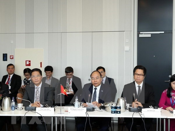 PM calls for Danish businesses' engagement in Vietnam's policy-making hinh anh 1