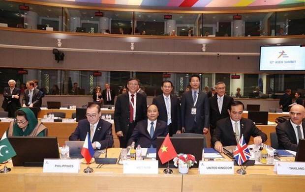 Deputy FM: PM Phuc's Europe tour manifests Vietnam's responsibility hinh anh 1