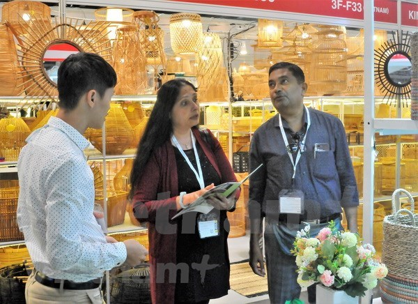 Vietnamese handicraft firms attend Mega Show Hong Kong 2018 hinh anh 1