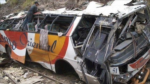 Traffic accident kills 11 people in southern Philippines hinh anh 1