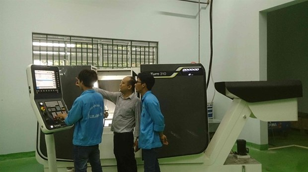 Firms to be involved in vocational training hinh anh 1