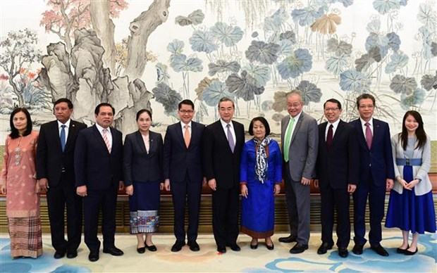 China attaches importance to ASEAN's central role hinh anh 1