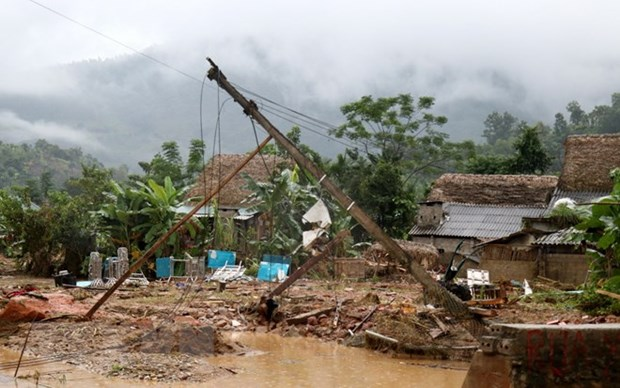 Heavy rainfalls leave one dead, another missing hinh anh 1