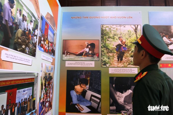 Exhibition highlights AO impacts on environment, human health hinh anh 1