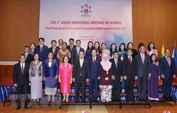PM: Women, girls contribute to ASEAN's resilience, development hinh anh 1