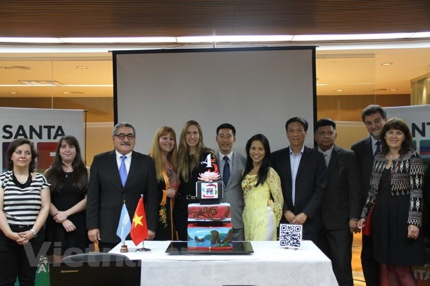 Vietnamese culture-tourism week opens in Argentina hinh anh 1