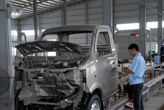 Industry ministry wants to cut tax for locally-produced auto parts hinh anh 1