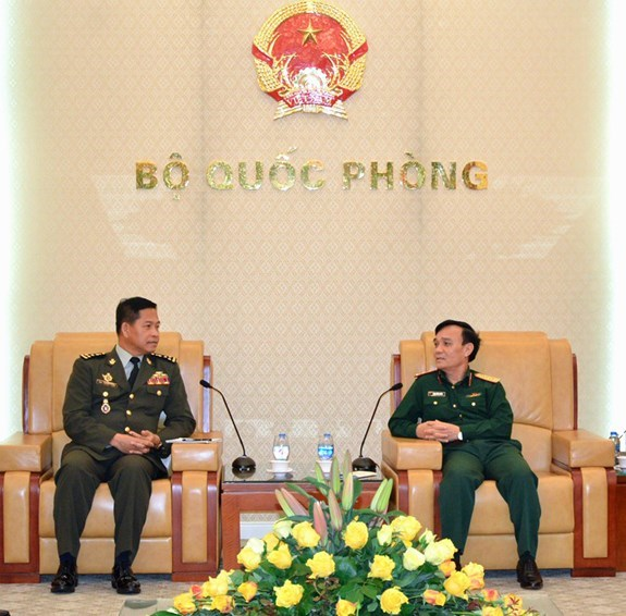 Vietnam, Cambodia promote military information cooperation hinh anh 1