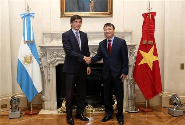 Vietnam, Argentina step up economic-trade cooperation hinh anh 1