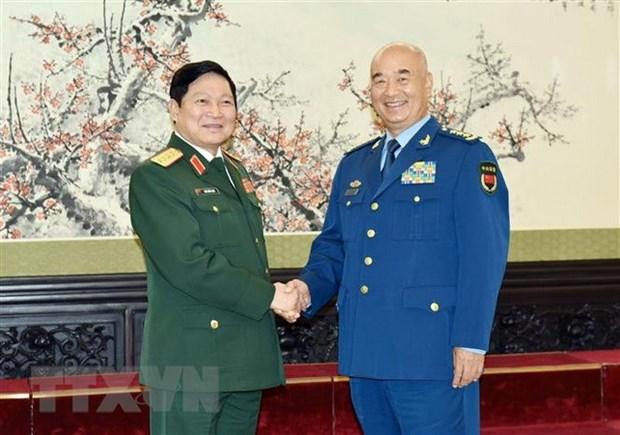 Vietnam, China beef up defence ties hinh anh 1