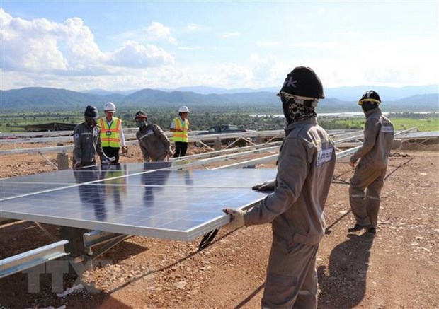 Commercial banks race to fund green energy projects hinh anh 1