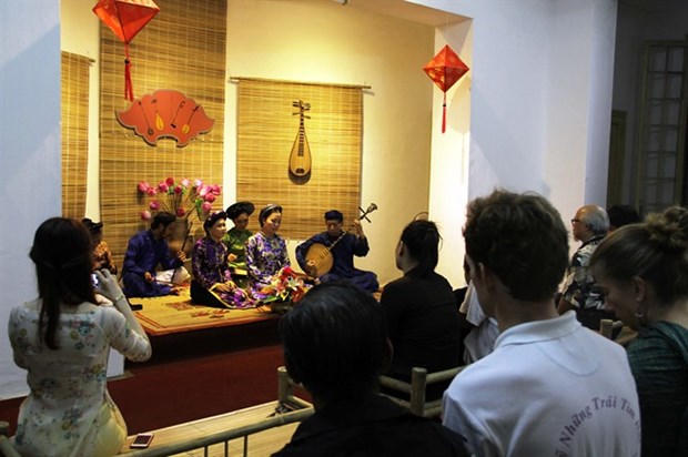 Hue to develop city art spaces hinh anh 1