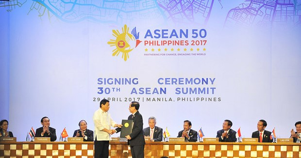 Vietnam carries out ASEAN Declaration on civil service's role hinh anh 1