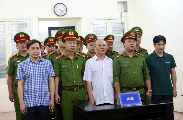 Court reduces prison sentence for Phan Van Anh Vu hinh anh 1