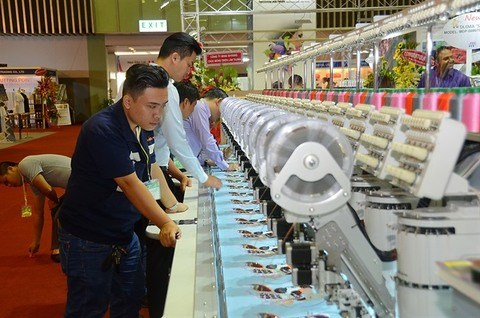 Top brands to take part in textile expos hinh anh 1