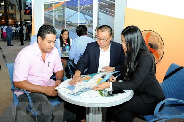 Vietnamese firms interested in expanding partnership with Cuba hinh anh 1