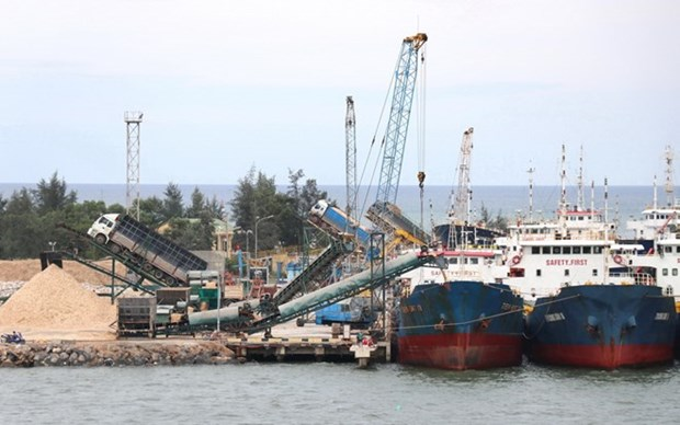 Quang Tri moves to lure investors into coastal areas hinh anh 1