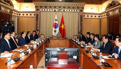 HCM City, Busan boost cooperation for mutual development hinh anh 1