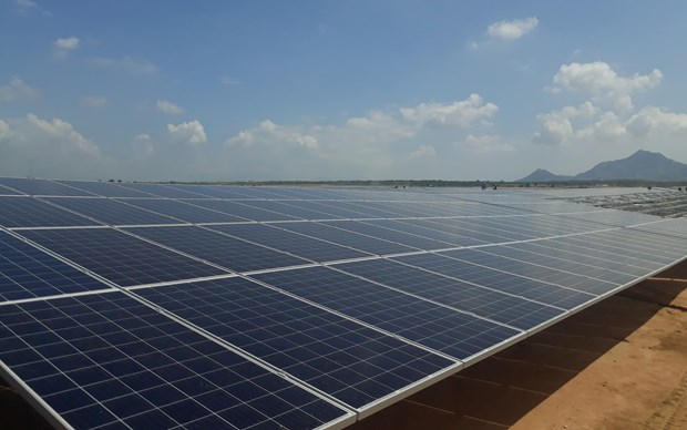 Thua Thien-Hue works to boost green growth via solar power projects hinh anh 1