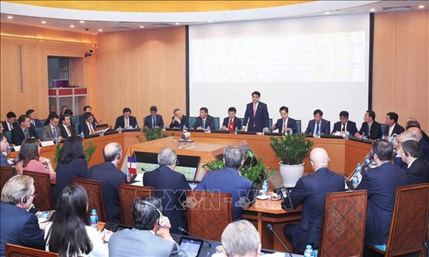 Hanoi seeks partnership with French businesses in multiple areas hinh anh 1
