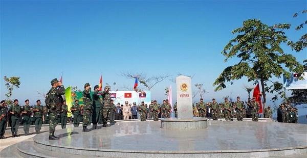 Vietnam-Laos-Cambodia border friendship exchange held hinh anh 1