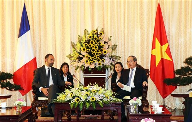 HCM City Party Secretary welcomes French Prime Minister hinh anh 1