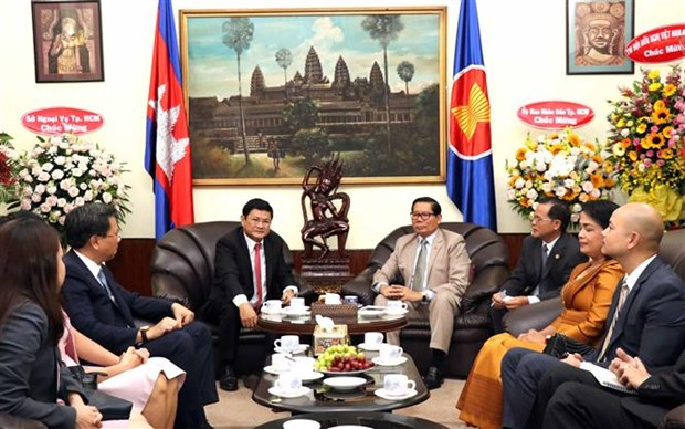 HCM City vows to strengthen Vietnam-Cambodia ties hinh anh 1