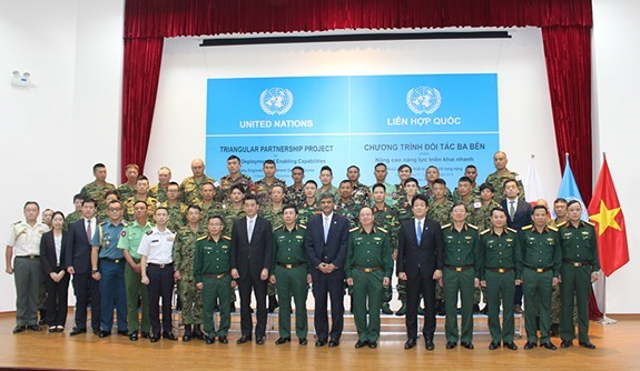 Vietnam hosts training course for UN peacekeeping engineers hinh anh 1