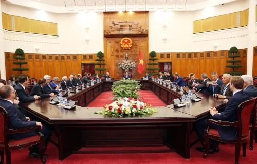 Deputy PM: Vietnam considers foreign firms part of its economy hinh anh 1