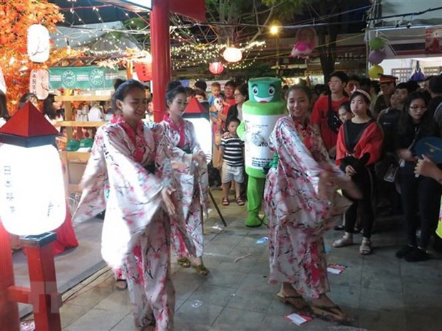 Vietnam-Japan cultural, trade exchange programme closes hinh anh 1