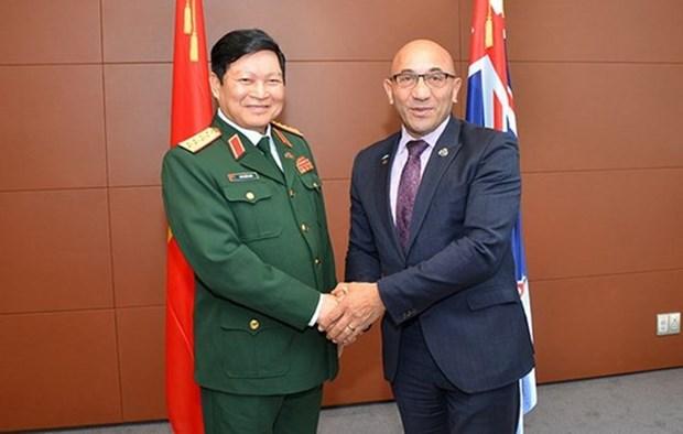 Vietnam, New Zealand looks towards closer defence ties hinh anh 1