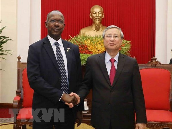 Party official receives Sudanese guest hinh anh 1