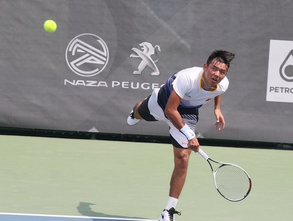 Vietnamese tennis star moves up in ATP rankings hinh anh 1