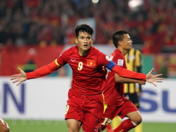 Vietnamese players named among top five AFF Suzuki Cup scorers hinh anh 1