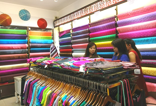 Hanoi's silk village to host handicraft festival hinh anh 1