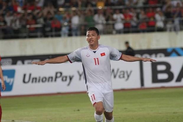 AFF Suzuki Cup: Vietnam defeats Laos 3-0 in opener hinh anh 1