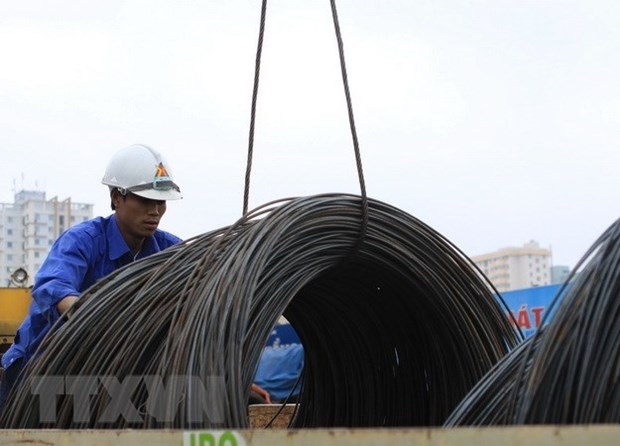Steel exports up almost 50 percent in 10 months hinh anh 1
