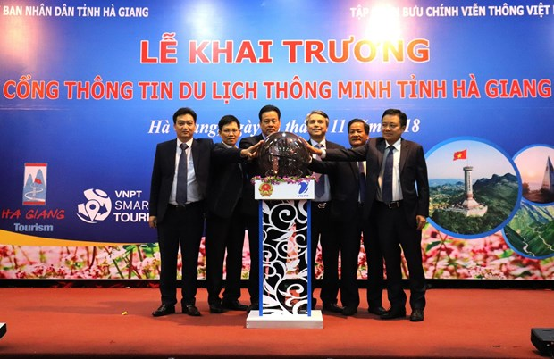 Ha Giang launches website, mobile app to promote tourism hinh anh 1