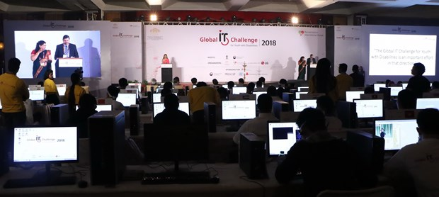 Young disabled Vietnamese students participate in India IT contest hinh anh 1