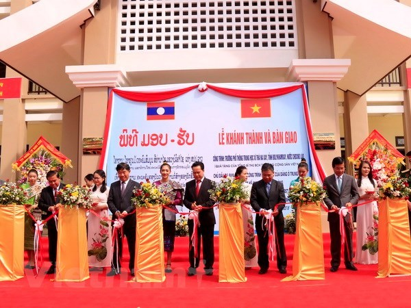 School funded by Vietnamese Party leader handed over to Laos hinh anh 1