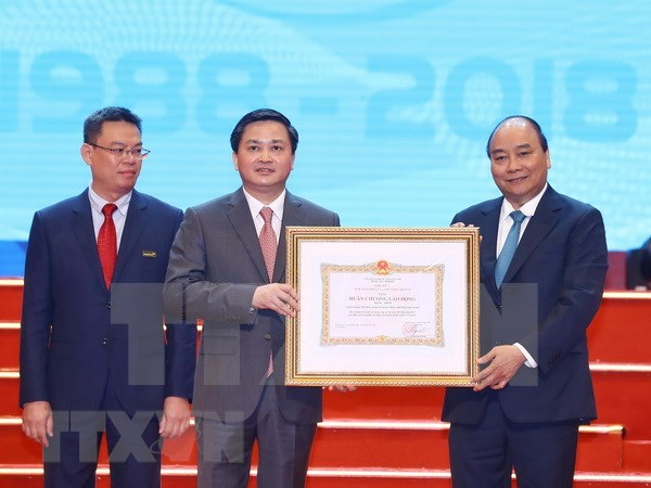 PM requests VietinBank to boost transparency, financial capacity hinh anh 1