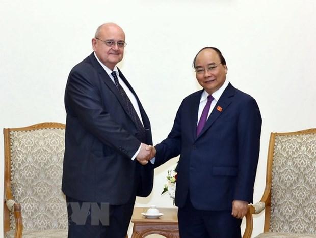Government leader says goodbye to outgoing Brazilian Ambassador hinh anh 1