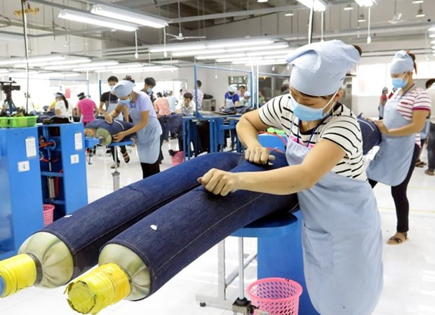 Experts: CPTPP to create impetus for textile, footwear industries hinh anh 1