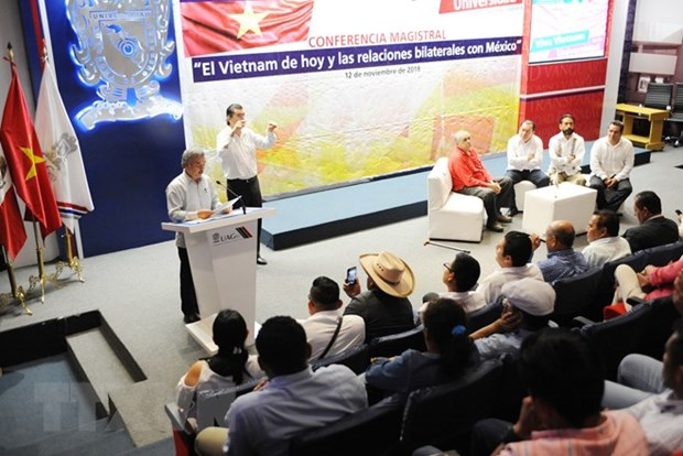 Mexican intellectuals commend Vietnam's achievements hinh anh 1
