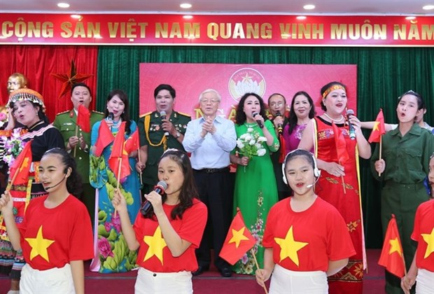 Party, State leader attends national unity festival in Hanoi hinh anh 1