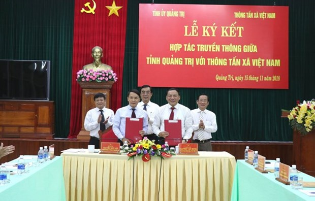 VNA, Quang Tri province ink communication cooperation deal hinh anh 1