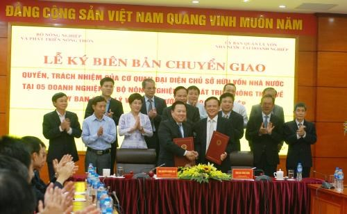 """Five agriculture SOEs transferred to """"super committee"""" hinh anh 1"""